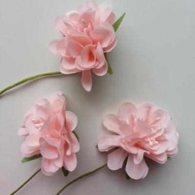 lot de 3 fleurs en tissu et pistils sur tige 40mm peche
