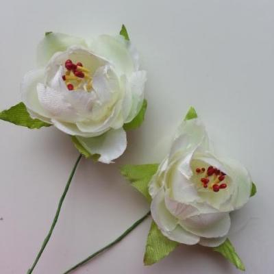 lot de 2 fleurs pistils et feuilles artificielles en tissu sur tige  ivoire