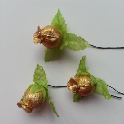 Lot de 3 roses et feuilles en tissu  sur tige doré, or