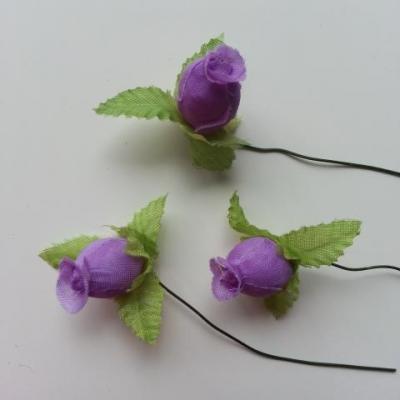 Lot de 3 roses et feuilles en tissu  sur tige violet