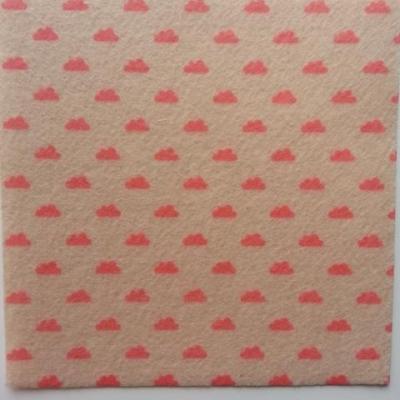 Carré de feutrine motif nuage 15*15cm beige et rose
