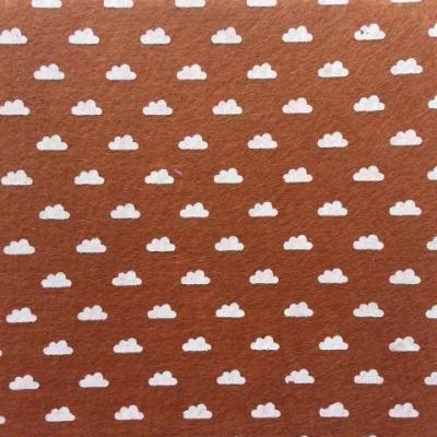 Carré de feutrine motif nuage 15*15cm marron