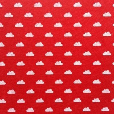 Carré de feutrine motif nuage 15*15cm rouge