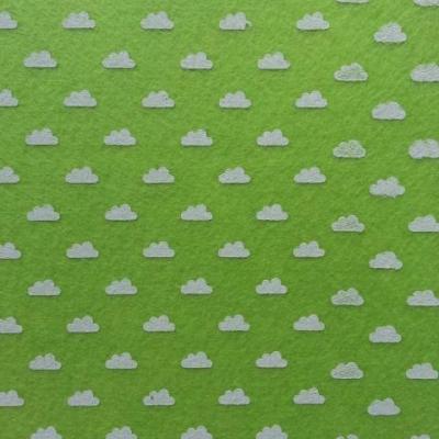 Carré de feutrine motif nuage 15*15cm vert