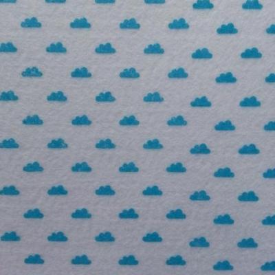 Carré de feutrine motif nuage 15*15cm blanc et bleu turquoise