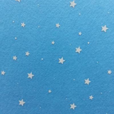 N5 Carré de feutrine motif etoile 15*15cm blanc et bleu ciel