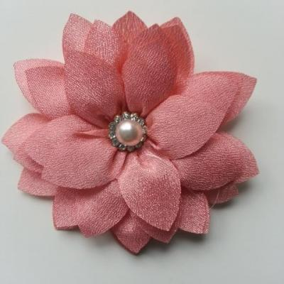 fleur en tissu centre perle et strass de 55mm peche saumoné