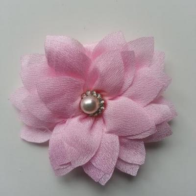 fleur en tissu centre perle et strass de 55mm rose