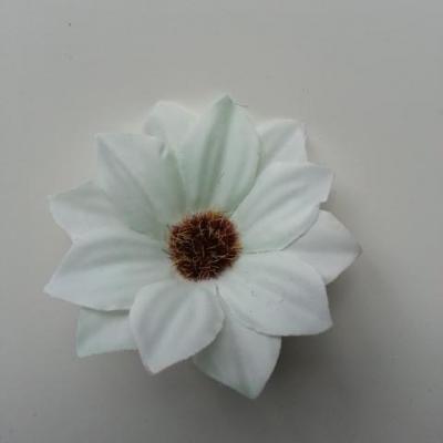 fleur artificielle marguerite en tissu 60mm vert pale