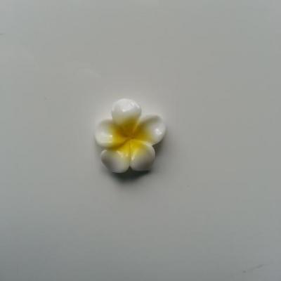 fleur en résine 15mm blanc et jaune
