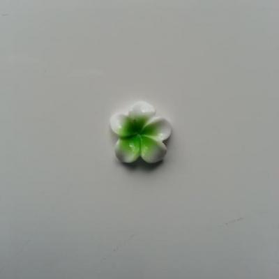fleur en résine 15mm blanc et vert