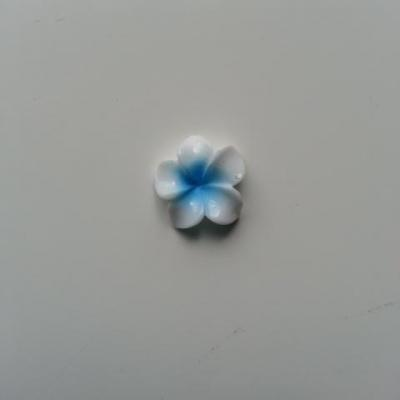 fleur en résine 15mm blanc et bleu