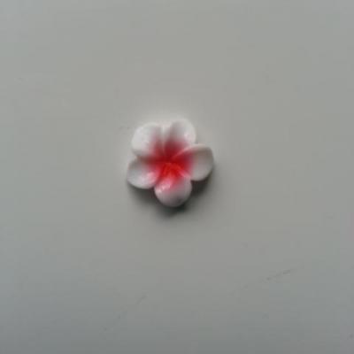 fleur en résine 15mm blanc et rouge