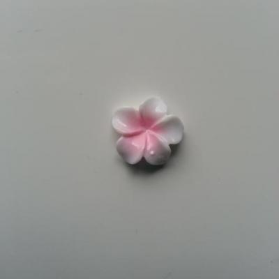 fleur en résine 15mm blanc et rose