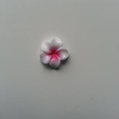 fleur en résine 15mm blanc et rose fuchsia