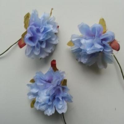 lot de 3 fleurs en tissu et pistils  tige 40mm bleu ciel