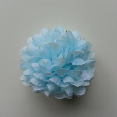 Fleur  pompon en tissu bleu  tres clair  50mm