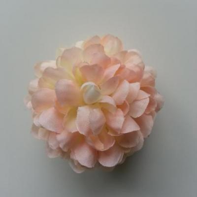 Fleur  pompon en tissu pêche  clair  50mm