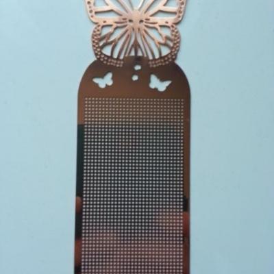 support papillon marque page à broder au point de croix en métal rosé 14,5*5cm