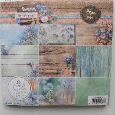 bloc de 36 feuilles de papier 15*15cm dans les tons bleu et vert pastel