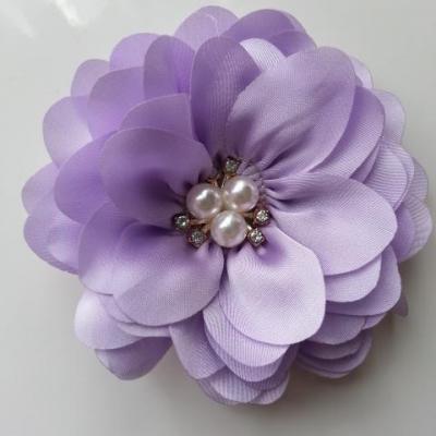 grande fleur en satin de soie centre perle et strass 90mm mauve
