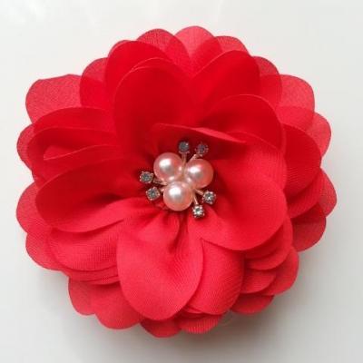 grande fleur en satin de soie centre perle et strass 90mm rouge