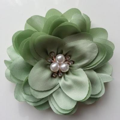 grande fleur en satin de soie centre perle et strass 90mm vert olive