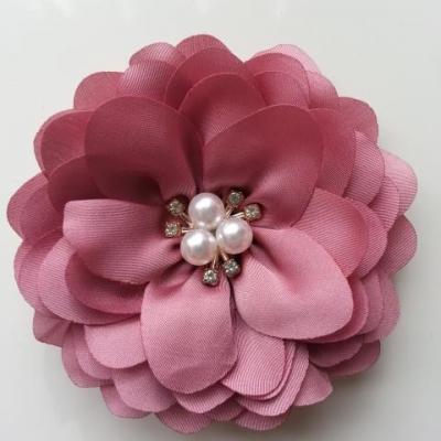 grande fleur en satin de soie centre perle et strass 90mm vieux rose foncé