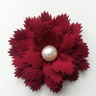 fleur en tissu centre perle 60 mm bordeaux