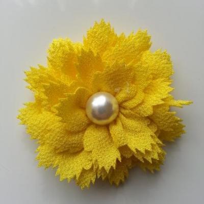 fleur en tissu centre perle 60 mm jaune