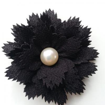 fleur en tissu centre perle 60 mm noir
