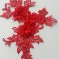 applique  en dentelle et fleur rouge  15*19cm