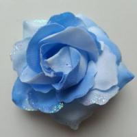 rose artificielle en tissu pailleté bleu 80mm