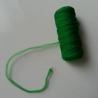 Bobine de fil de nylon vert  pour  fleurs ou  papillon en nylon