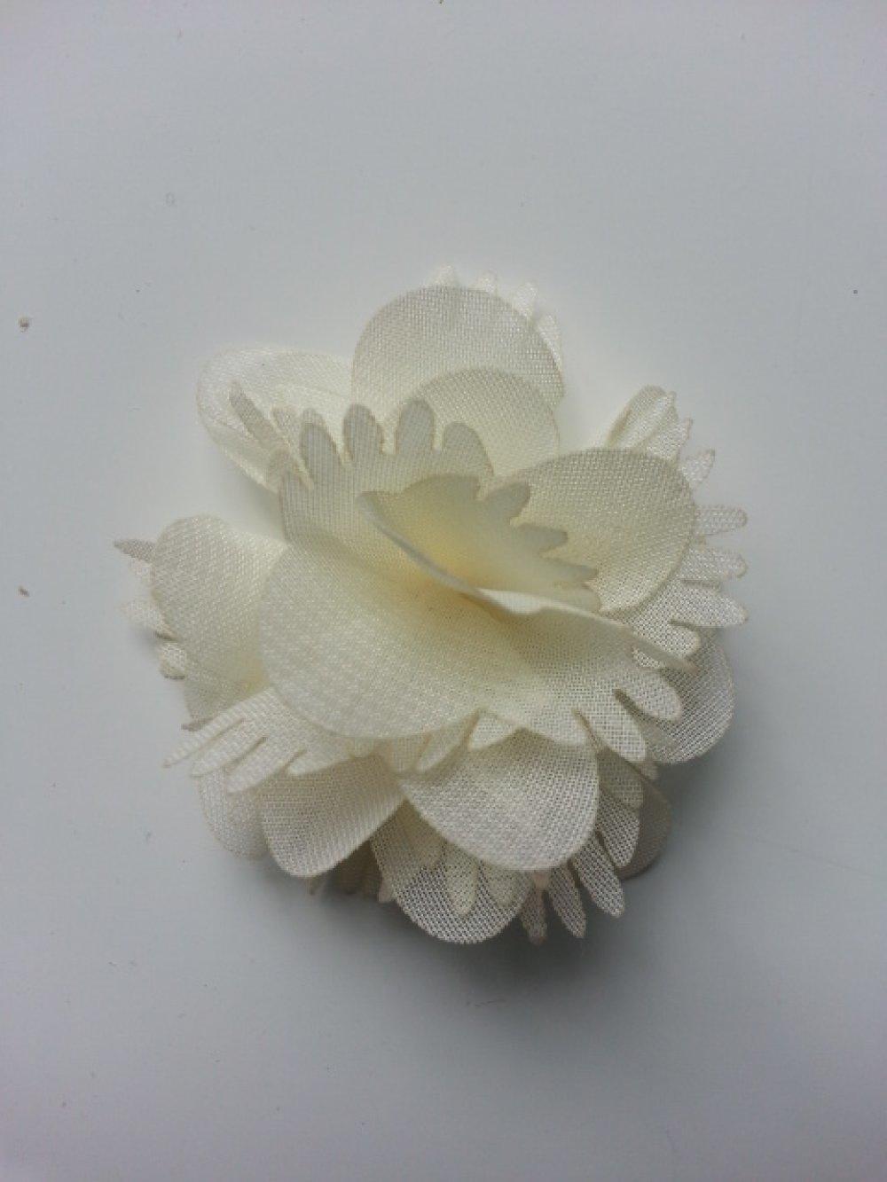 2863288 petite fleur en tissu ivoire 4 5cm 1