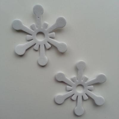 Lot de 2 etoiles de noel  en mousse autocollante blanche 45mm (4)