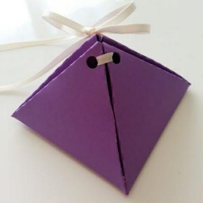 boite à dragée pyramide mauve 70mm