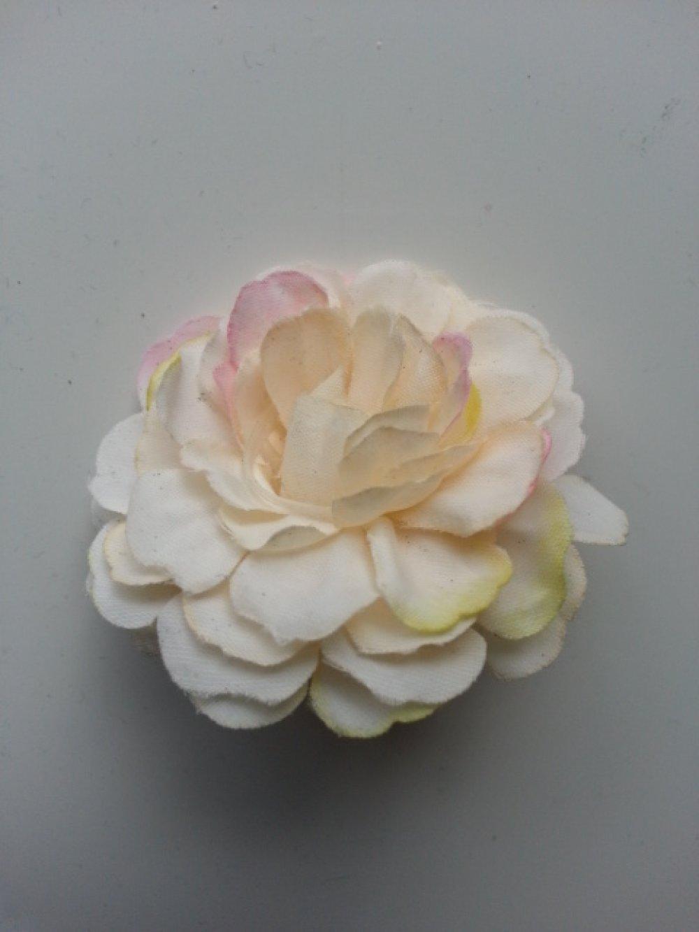 3541215 fleur artificielle en tissu ivoire et rose fuchsia 55mm 3