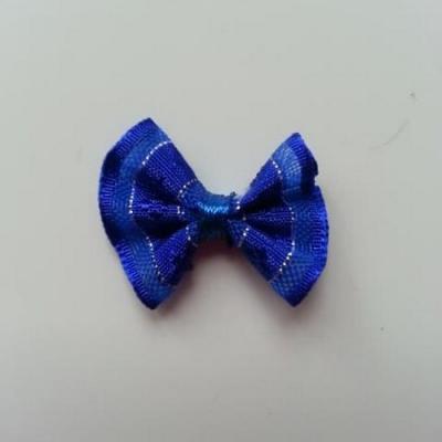 Petit noeud  de couleur bleu roi et argenté    25*19mm