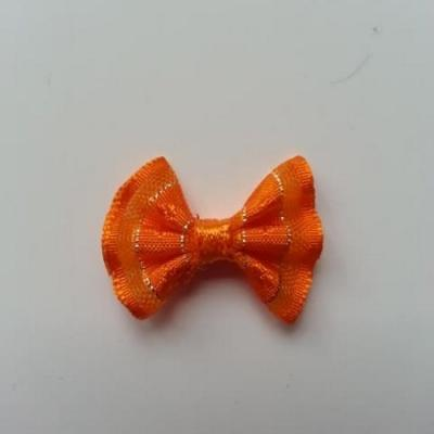 Petit noeud  de couleur orange et argenté    25*19mm