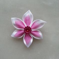 Fleur satin blanche et organza rose  5cm