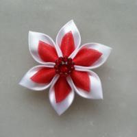 Fleur satin blanche et organza rouge 5cm