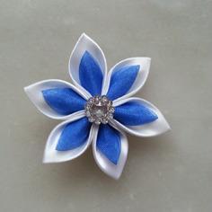 Fleur satin blanche et organza bleu roi 5cm