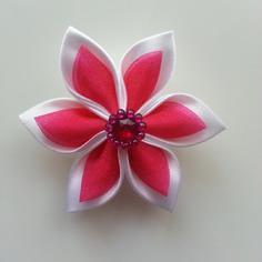 Fleur satin blanche et organza rose rouge 5cm