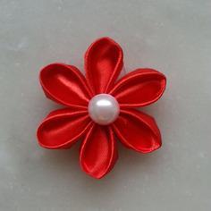 Fleur de satin 5 cm pétales ronds rouge