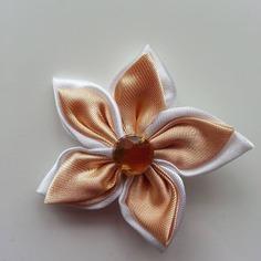 Deco 5 cm double fleur de satin blanche 7898315 barrettes fleur18e2 e72a2 236x236
