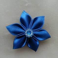 Deco 5 cm fleur de satin bleu fonce pe 8183654 embellissements2b5d 168c0 236x236