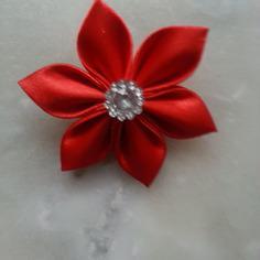Fleur satin rouge 5cm