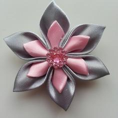 Fleur double en satin gris et rose   5cm