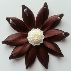 Fleur de satin  7,5cm marron